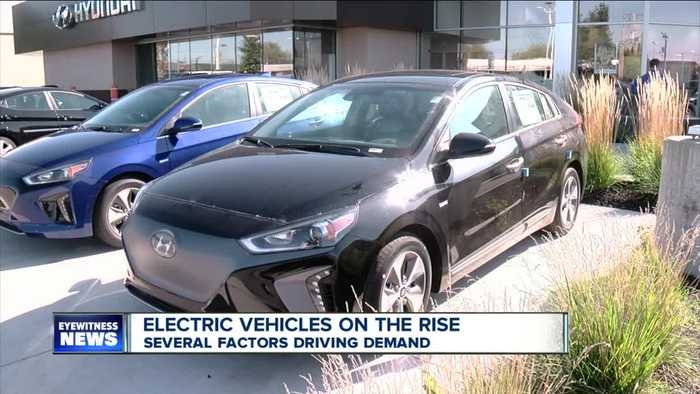 One auto manufacturer is offering a head-turning promotion to entice drivers to go electric
