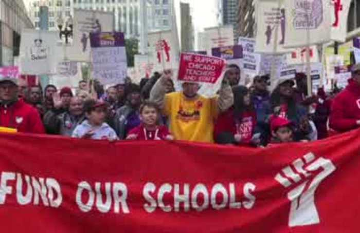 Chicago public schools to close ahead of looming strike