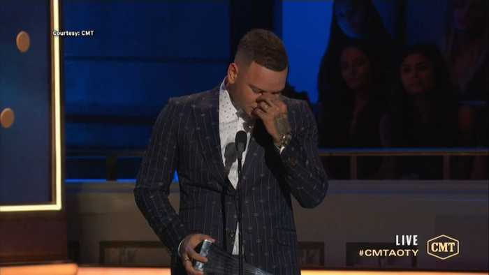 Kane Brown Breaks Down In Tears At 2019 CMT Artists Of The Year