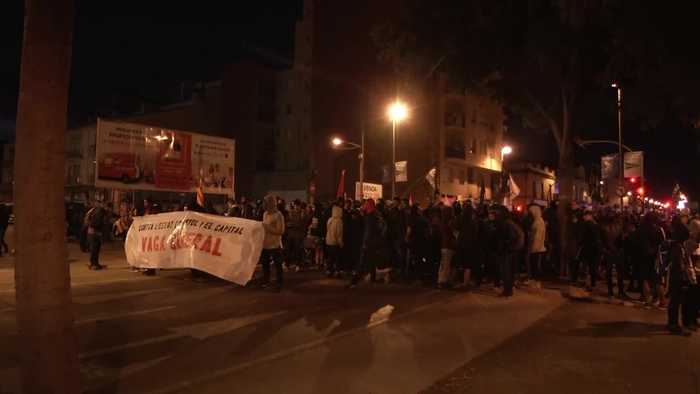 Catalan protesters block Girona train station