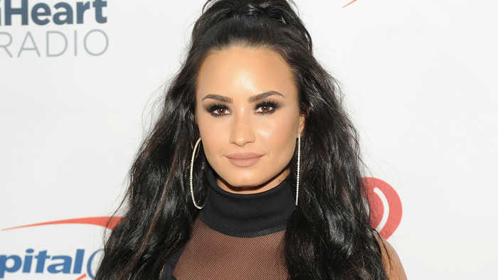 Demi Lovato's Snapchat HACKED & Alleged Nude Photos LEAKED!