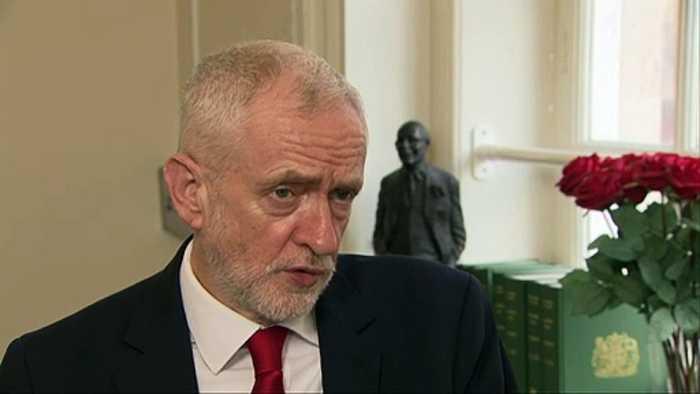 Corbyn: 'PM must seek Brexit delay'