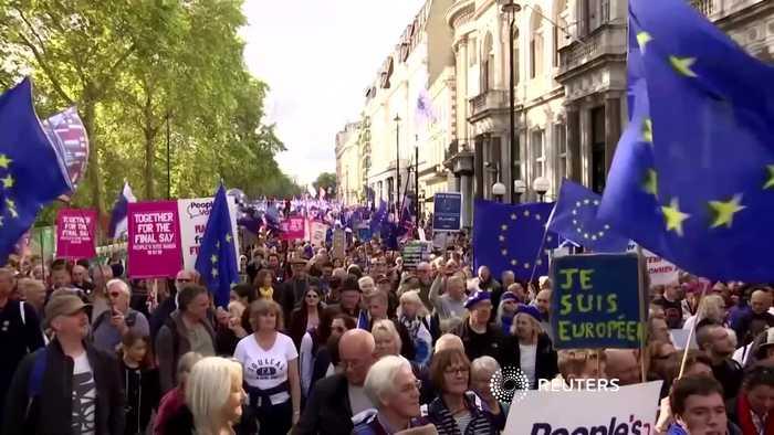 British lawmakers back Brexit deal delay