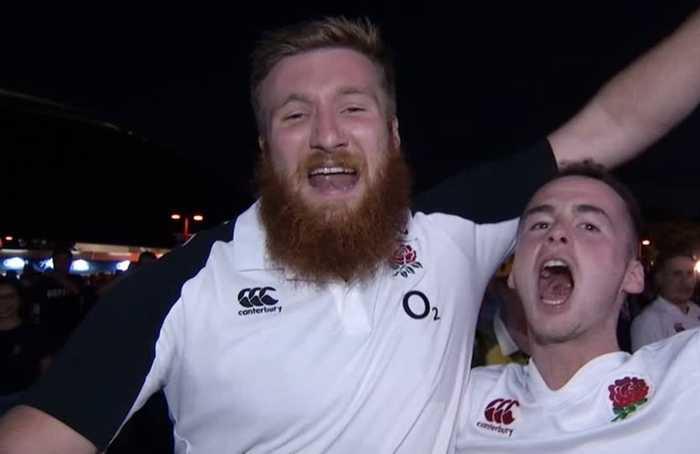 English rugby fans jubilant as their team down Wallabies 40-16