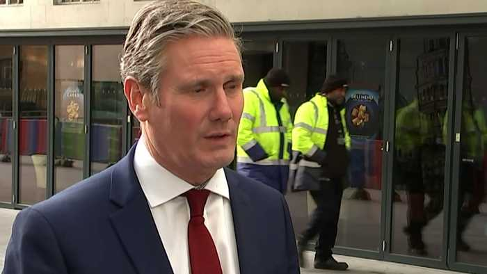 Starmer: PM sending unsigned letter to EU 'childlike'
