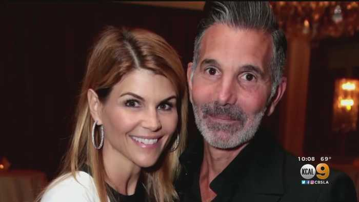 New USC Bribery Charges Brought Against Lori Loughlin In College Scandal