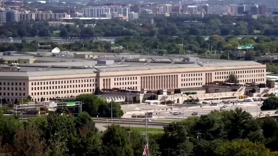 Microsoft beats Amazon for Pentagon's $10 bln cloud computing contract
