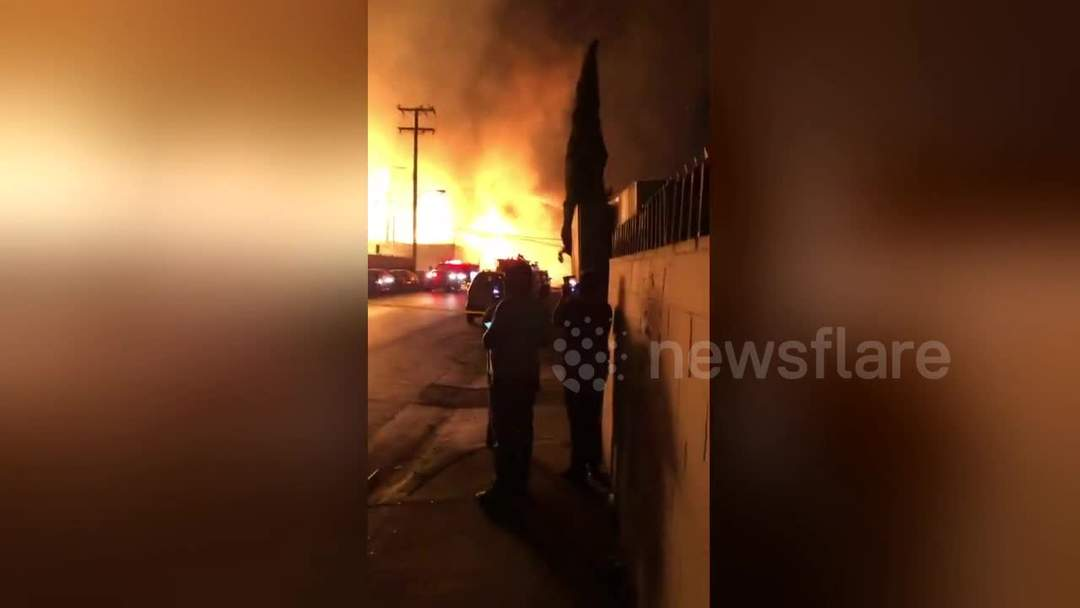 Wood pallet company caught in explosive fire in Los Angeles