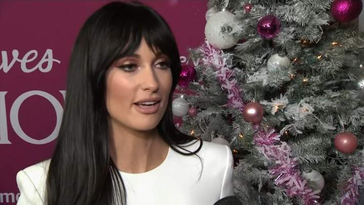 Kacey Musgraves Premieres 'The Kacey Musgraves Christmas Show'