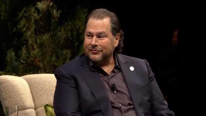 Watch: CEO Of $142 Billion Company Says He Runs His Company On iPhone
