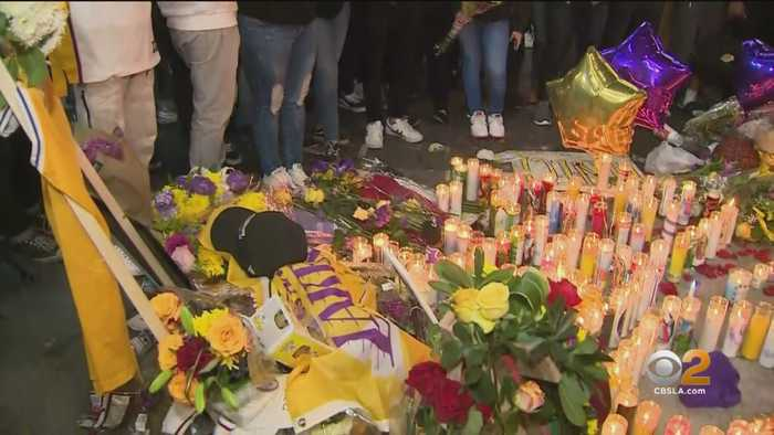 Fans Come Out Late Sunday To Honor Kobe Bryant At Staples Center