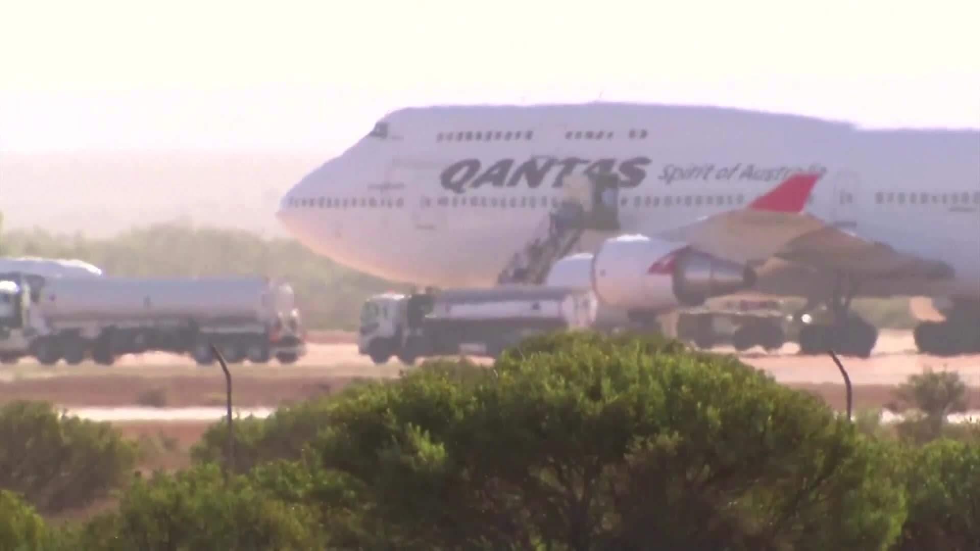 Australia virus evacuation flight heads to island