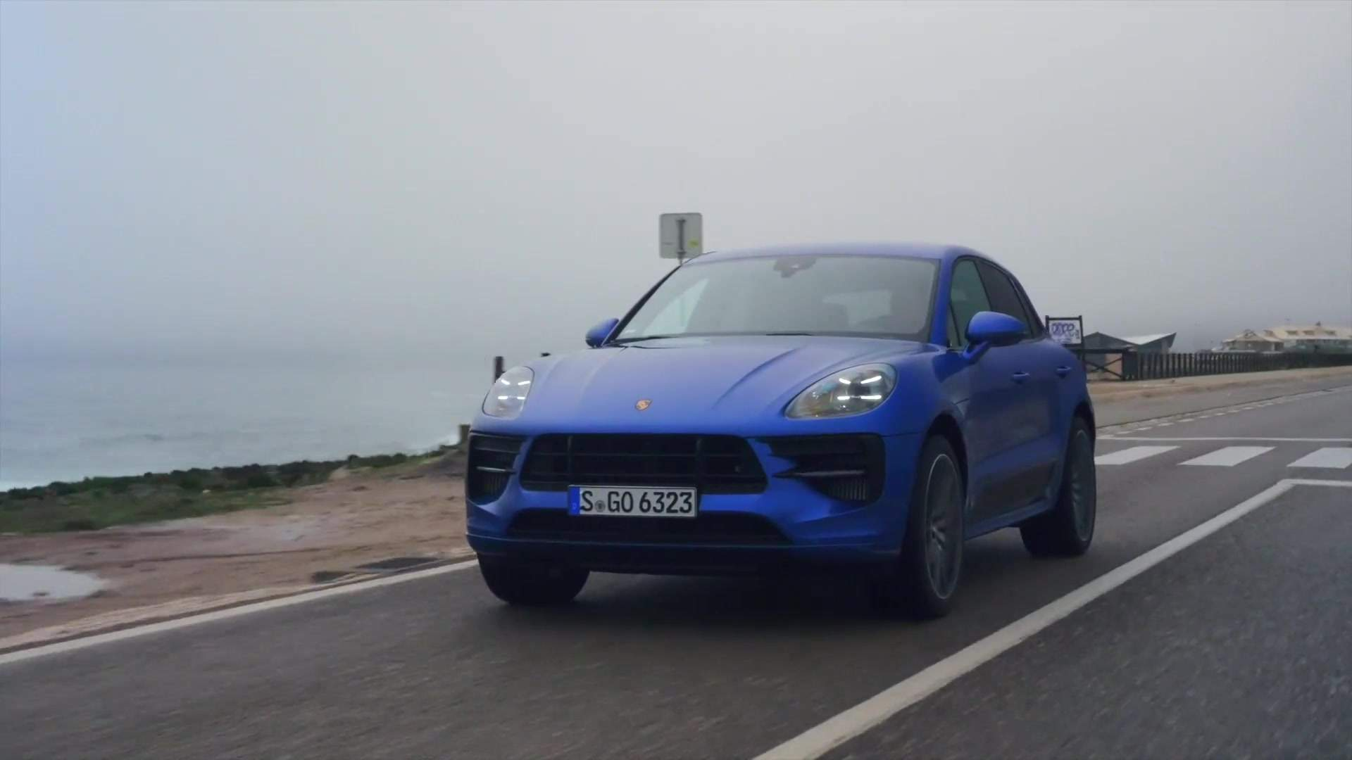 The New Porsche Macan Gts In Sapphire Blue One News Page Video