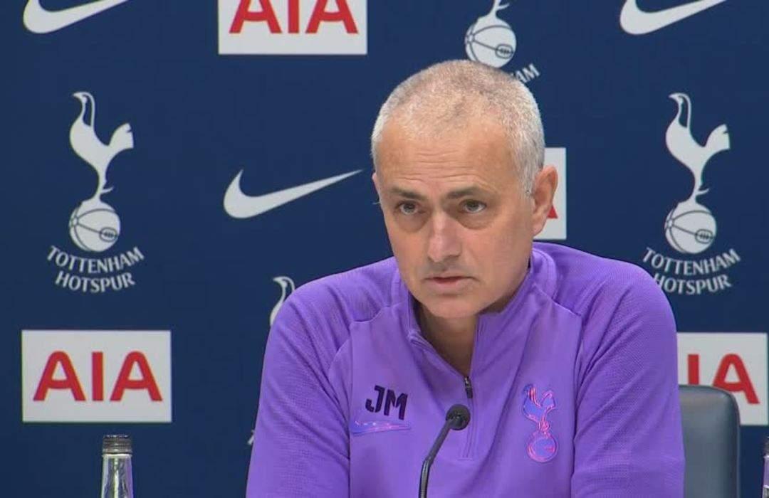 'Fantastic' Tottenham fighting for top four, says Mourinho