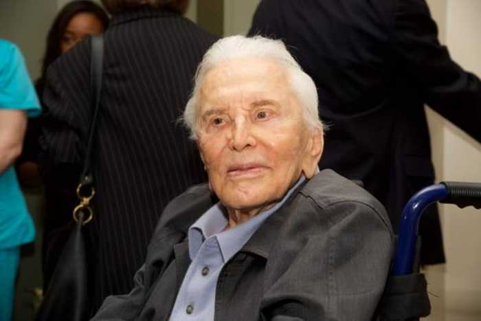 Kirk Douglas' Foundation to Receive Majority of His $80 Million Fortune