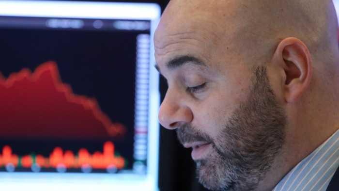 Wall Street Leads Global Share Price Slump