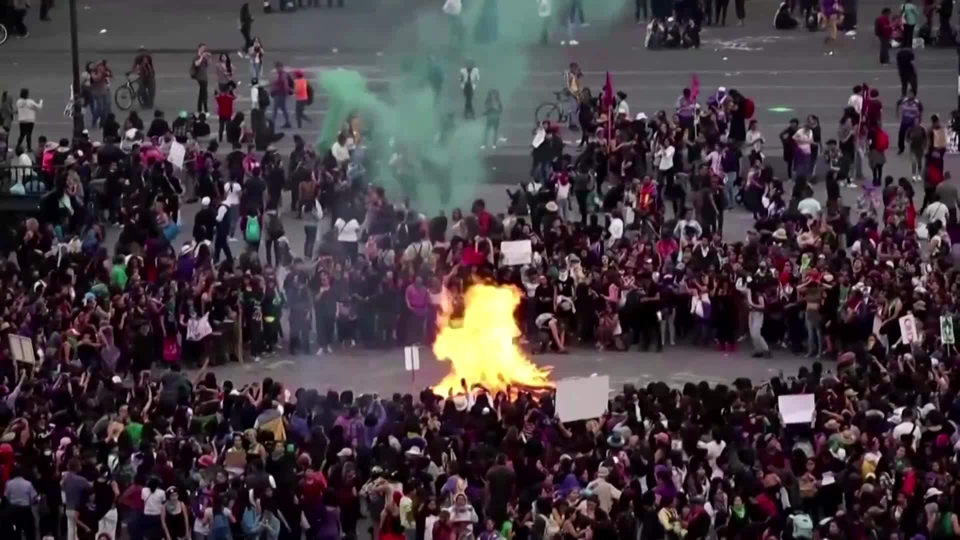 Violent clashes in Mexico City for International Women's Day