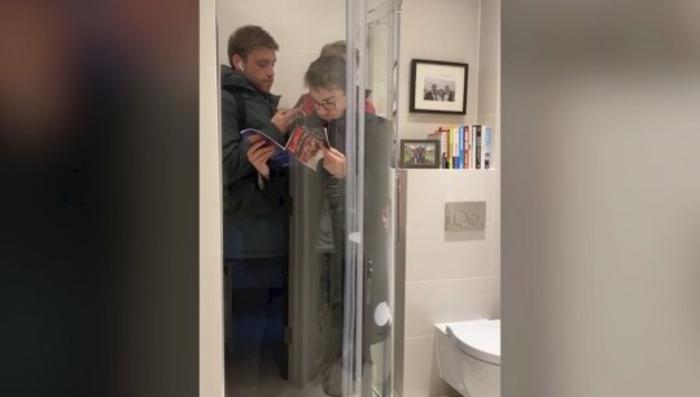 Watch These Roomates Recreate Their Commute Using Their Shower as London's Tube