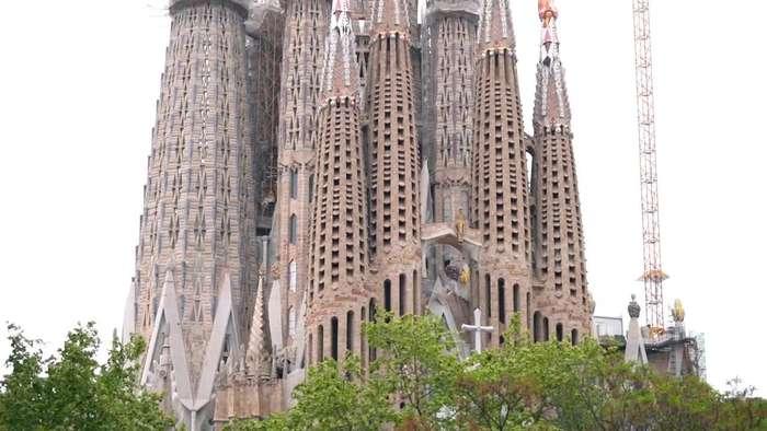 Barcelona's Sagrada Familia landmark rings bells for COVID-19 victims