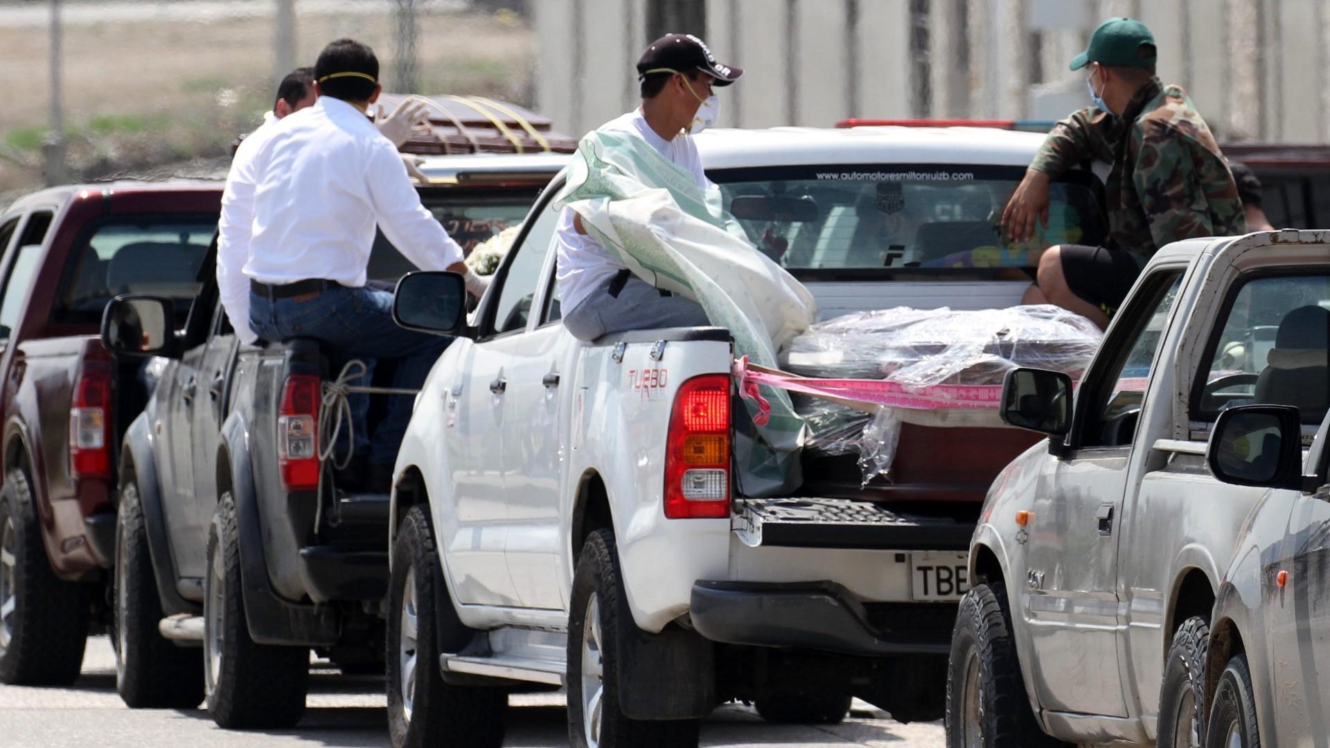 COVID-19: Ecuador struggles to bury the dead as bodies pile up