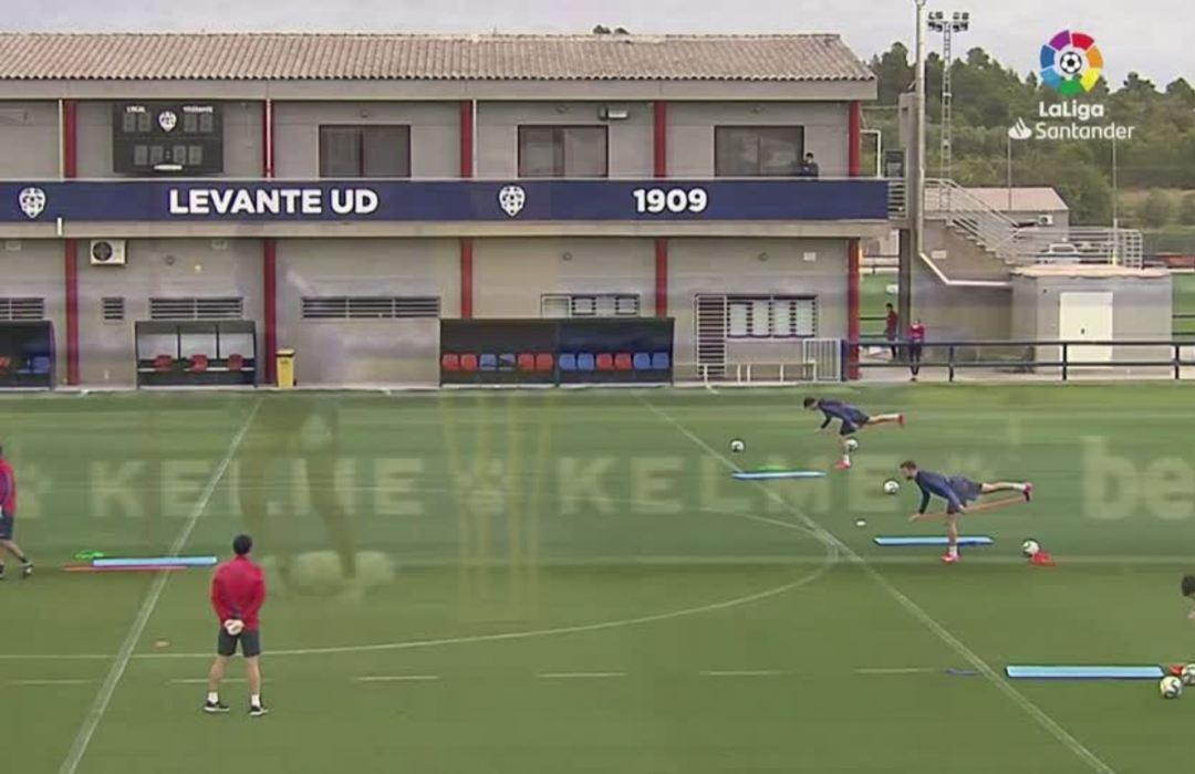Spanish squads hold individual training sessions as La Liga eyes June reboot