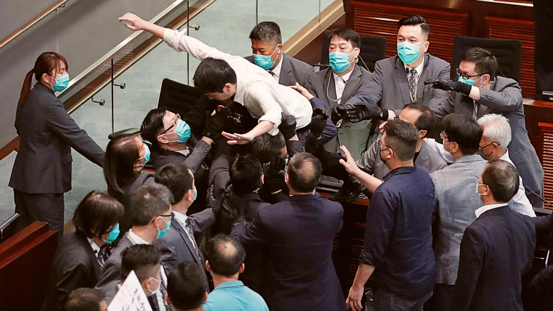 Hong Kong: Fight over committee chair deadlock