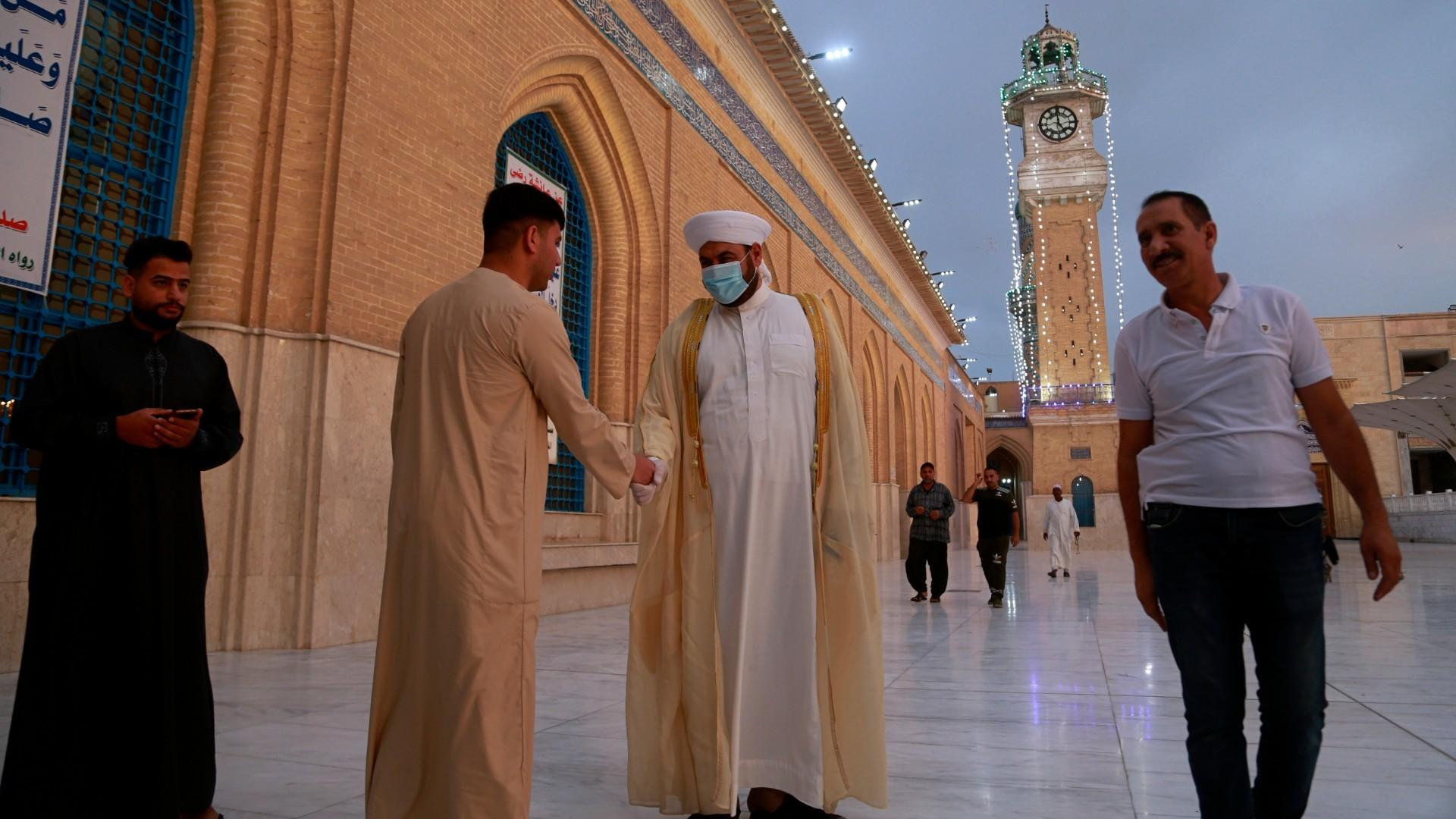 Eid al-Fitr in Iraq: Some worshippers defying government lockdown
