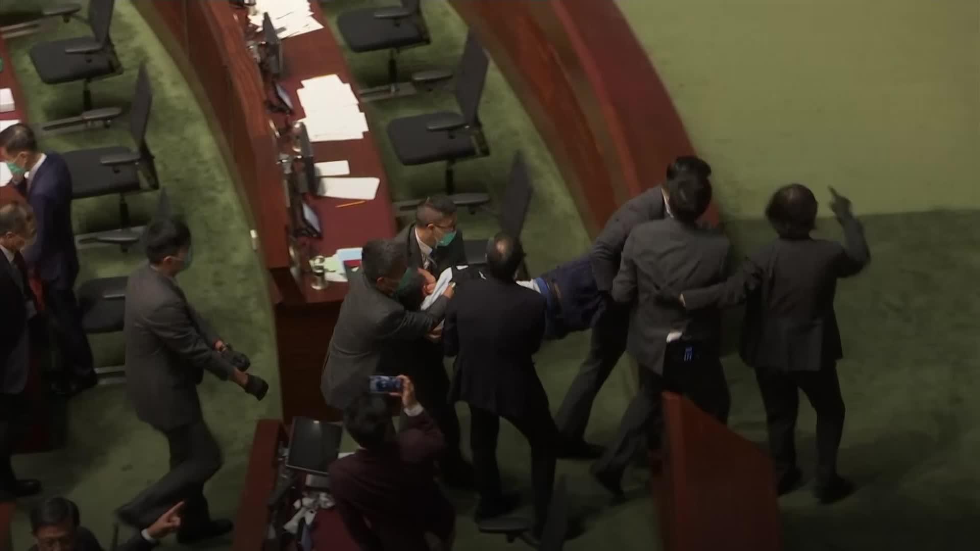 Hong Kong politicians ejected amid China anthem debate