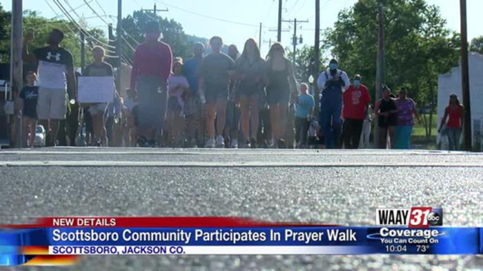 Scottsboro Community Participates In Prayer Walk