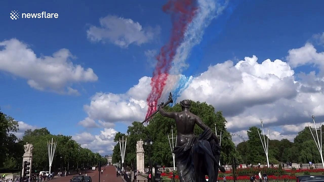 Joint UK and French flyover Buckingham Palace for 80th anniversary of war speech