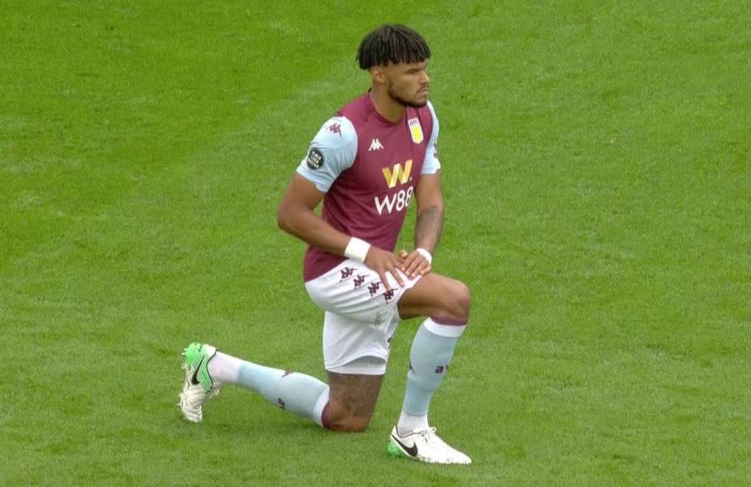 Players take a knee as Premier League restarts