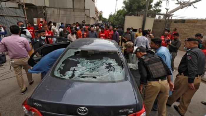 Gunmen attack Karachi stock exchange building in Pakistan