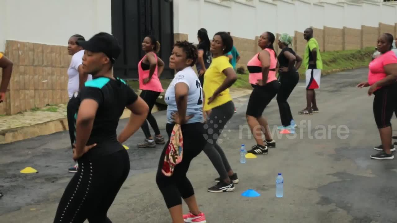 Gym-starved Nigerian community hit streets for public workout