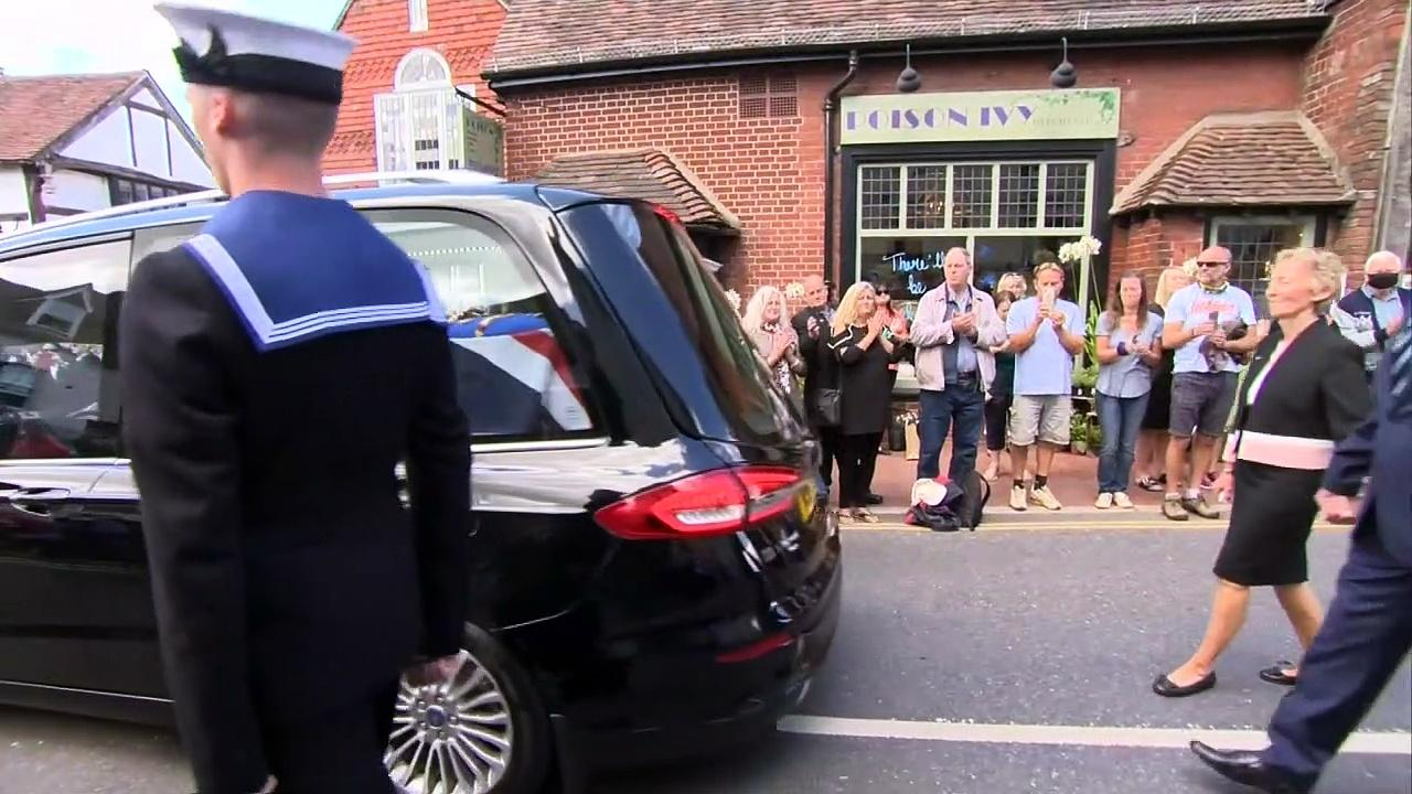 Ditchling residents pay respect to Dame Vera Lynn