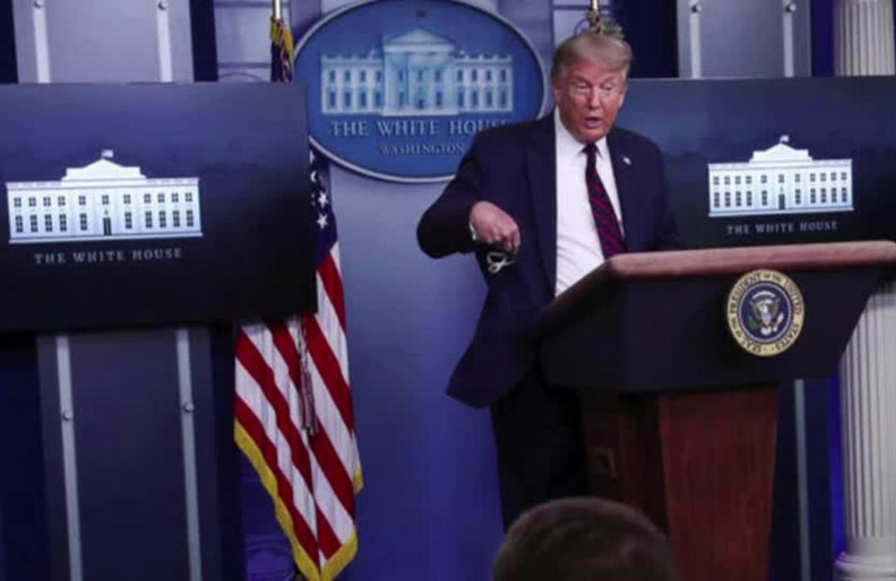 Trump revives coronavirus briefing, pushes masks