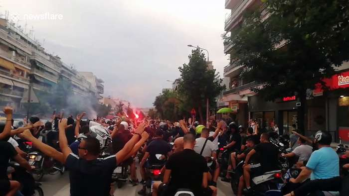 Fans Fire Up Paok With Flares And Chanting One News Page Video