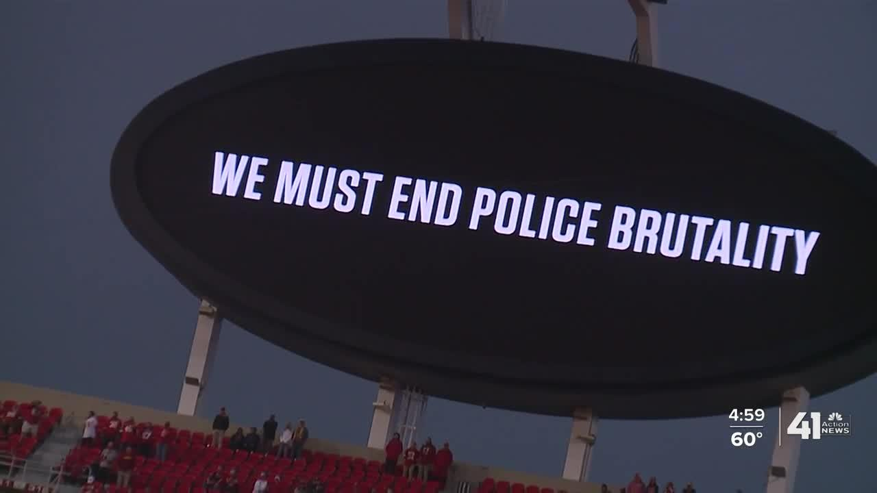 City leaders, fans react to booing at Chiefs home opener