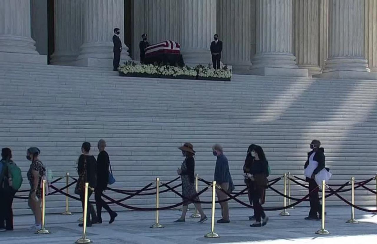 Mourners pay respects to Ginsburg at U.S. Supreme Court