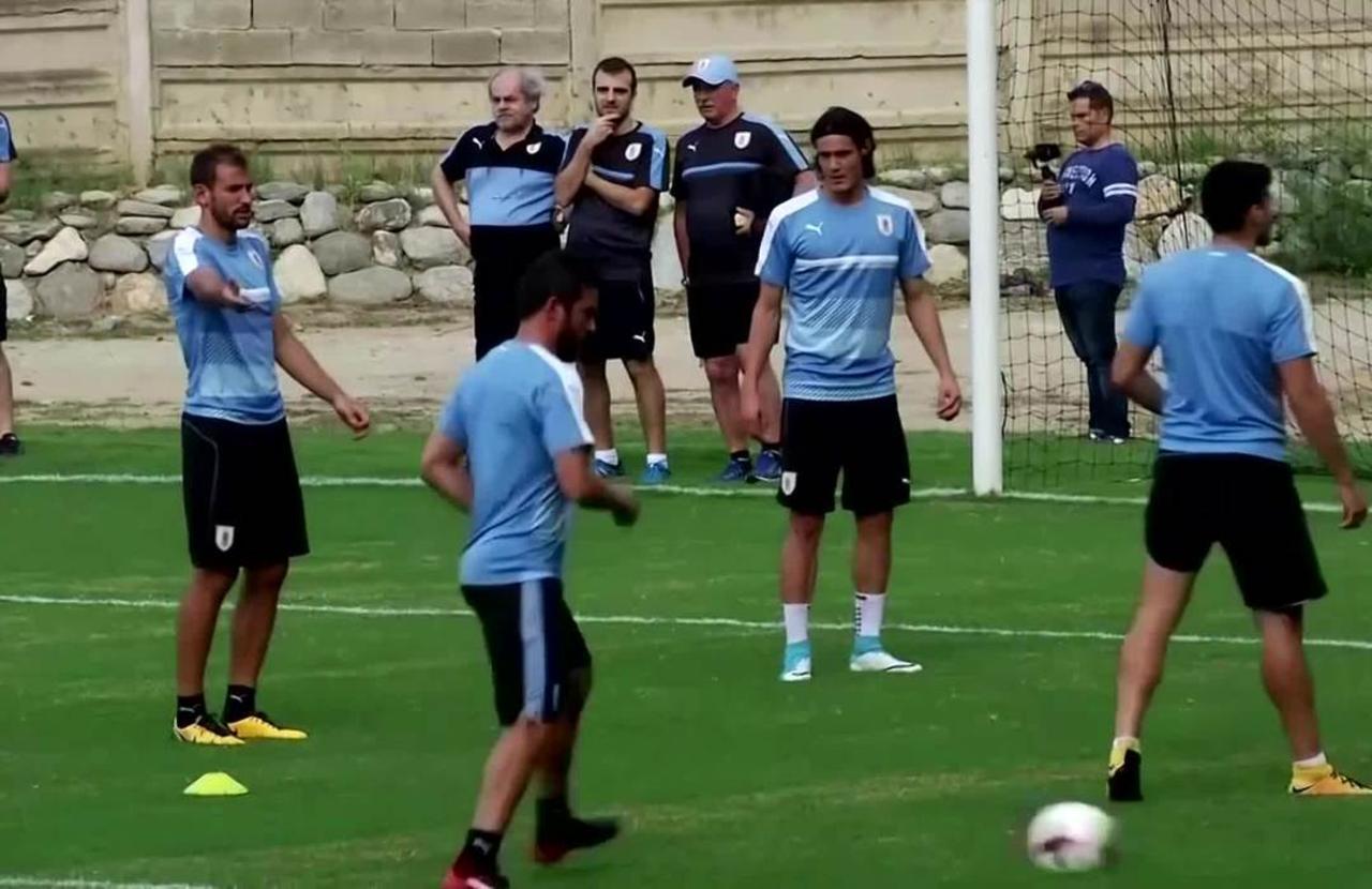 Man United seal Cavani and Telles signings
