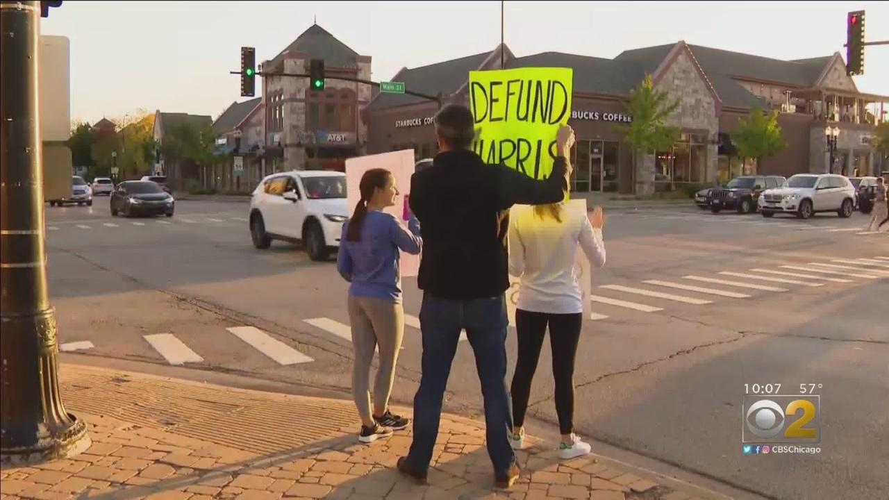 Barrington Parents, Students Rally For Schools To Reopen