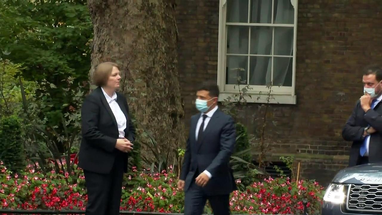 Boris Johnson welcomes Ukraine president to Downing Street
