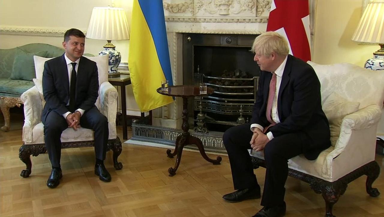 PM and Ukraine president exchange warm greetings