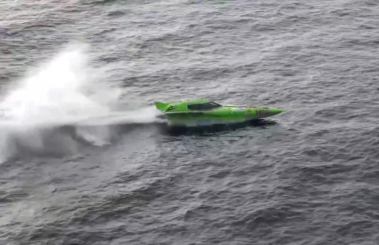 Powerboats speed across sea in Southern California in Ocean Cup event