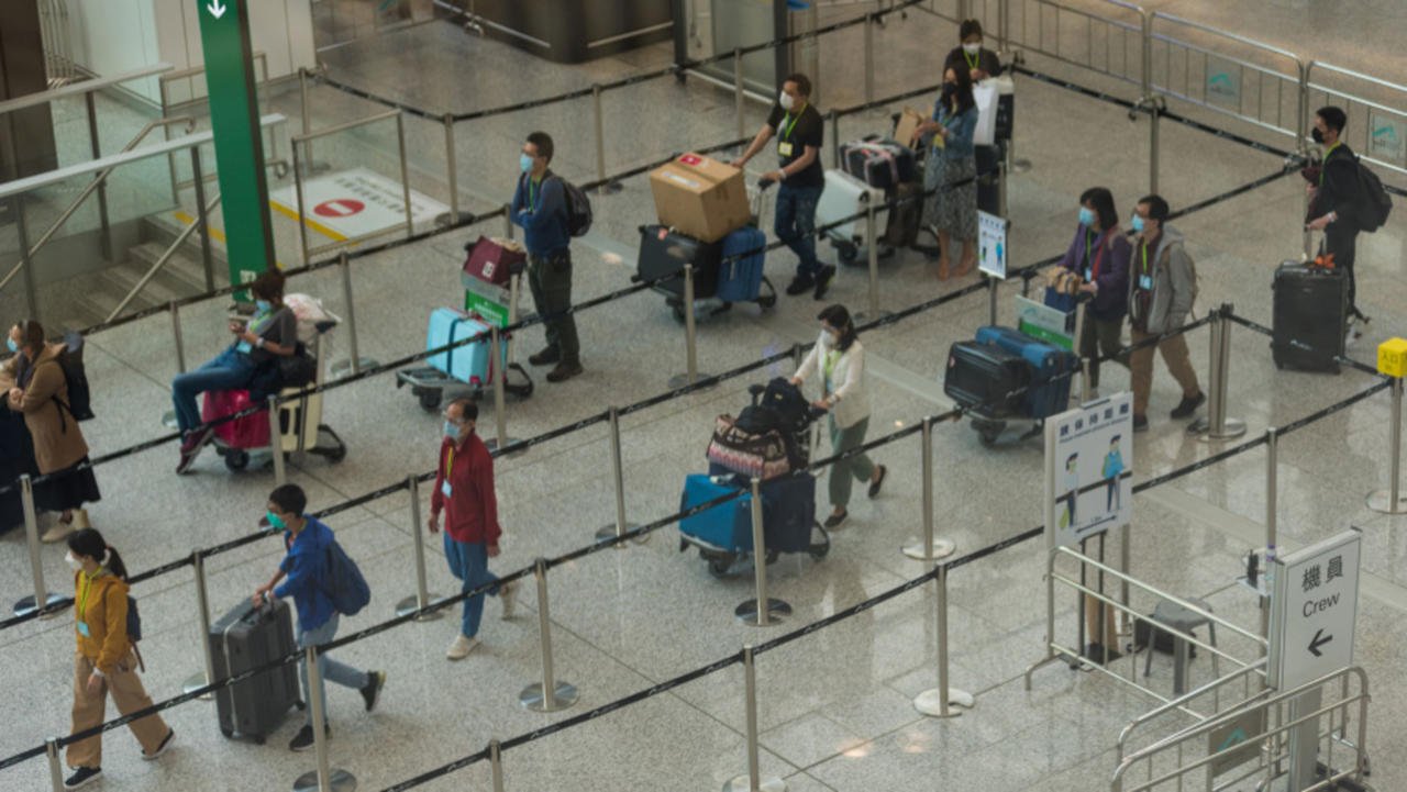 Hong Kong and Singapore Plan to Open a Travel Bubble
