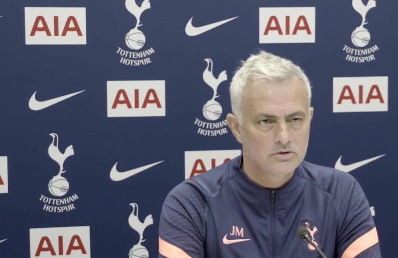 Mourinho coy on Bale, has another dig at Wenger over book