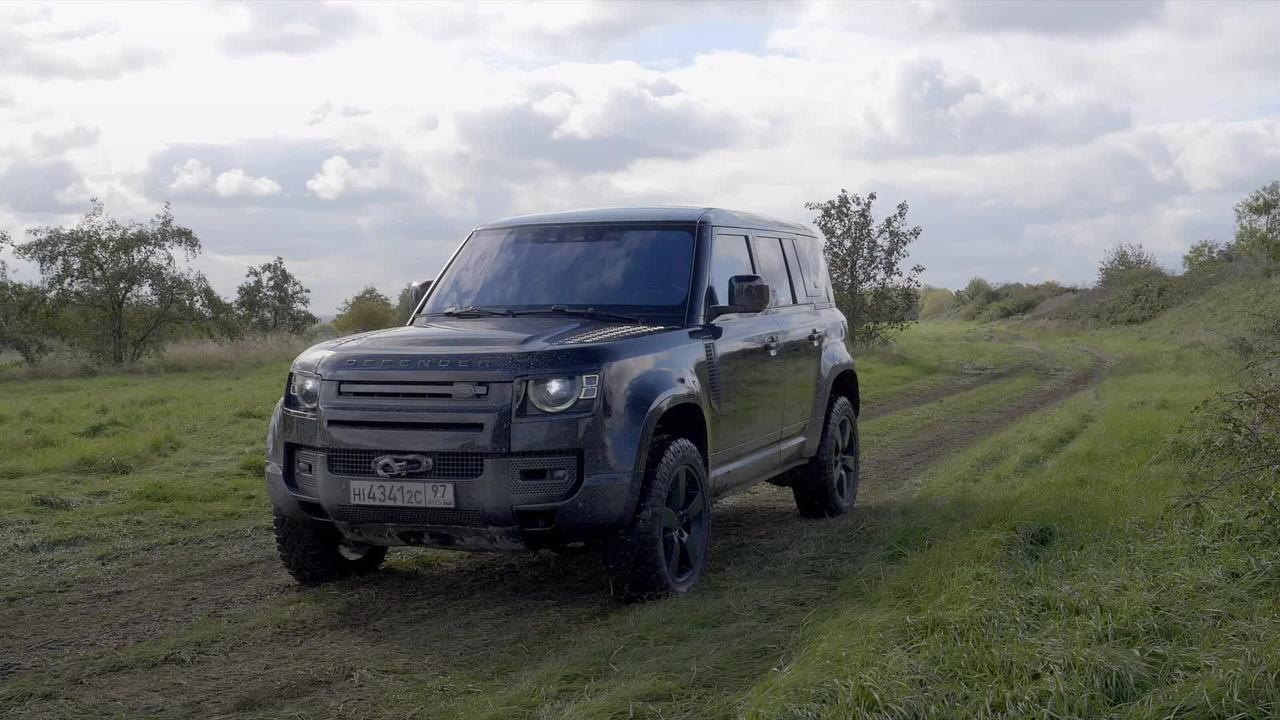 James Bond's new Land Rover Defender in detail
