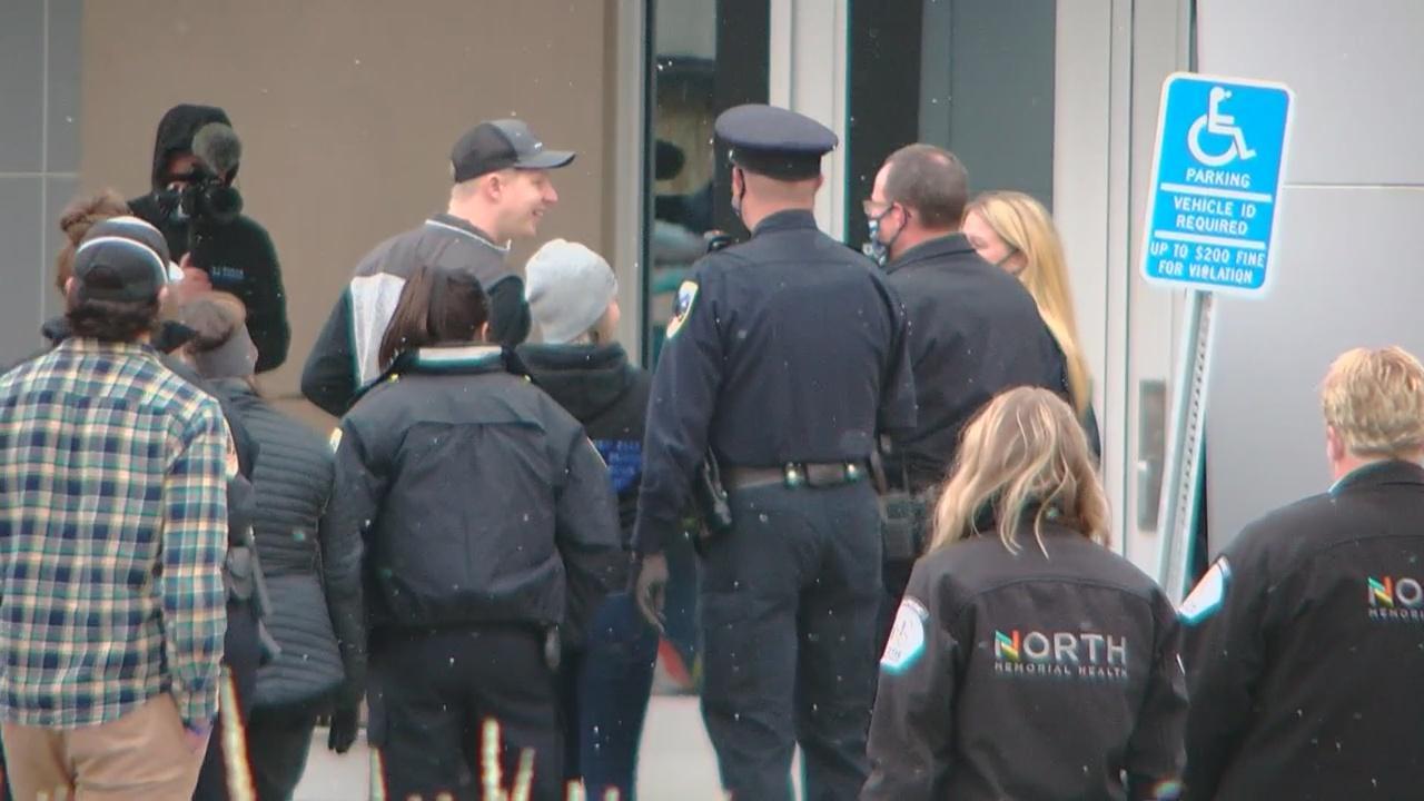 Officer Arik Matson Returns Home To Minnesota