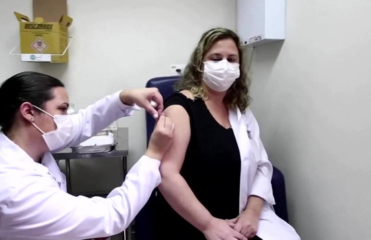 Brazilian dies in COVID-19 vaccine trial