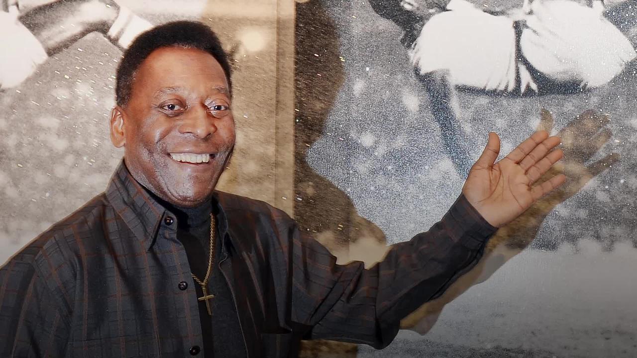 Pele turns 80