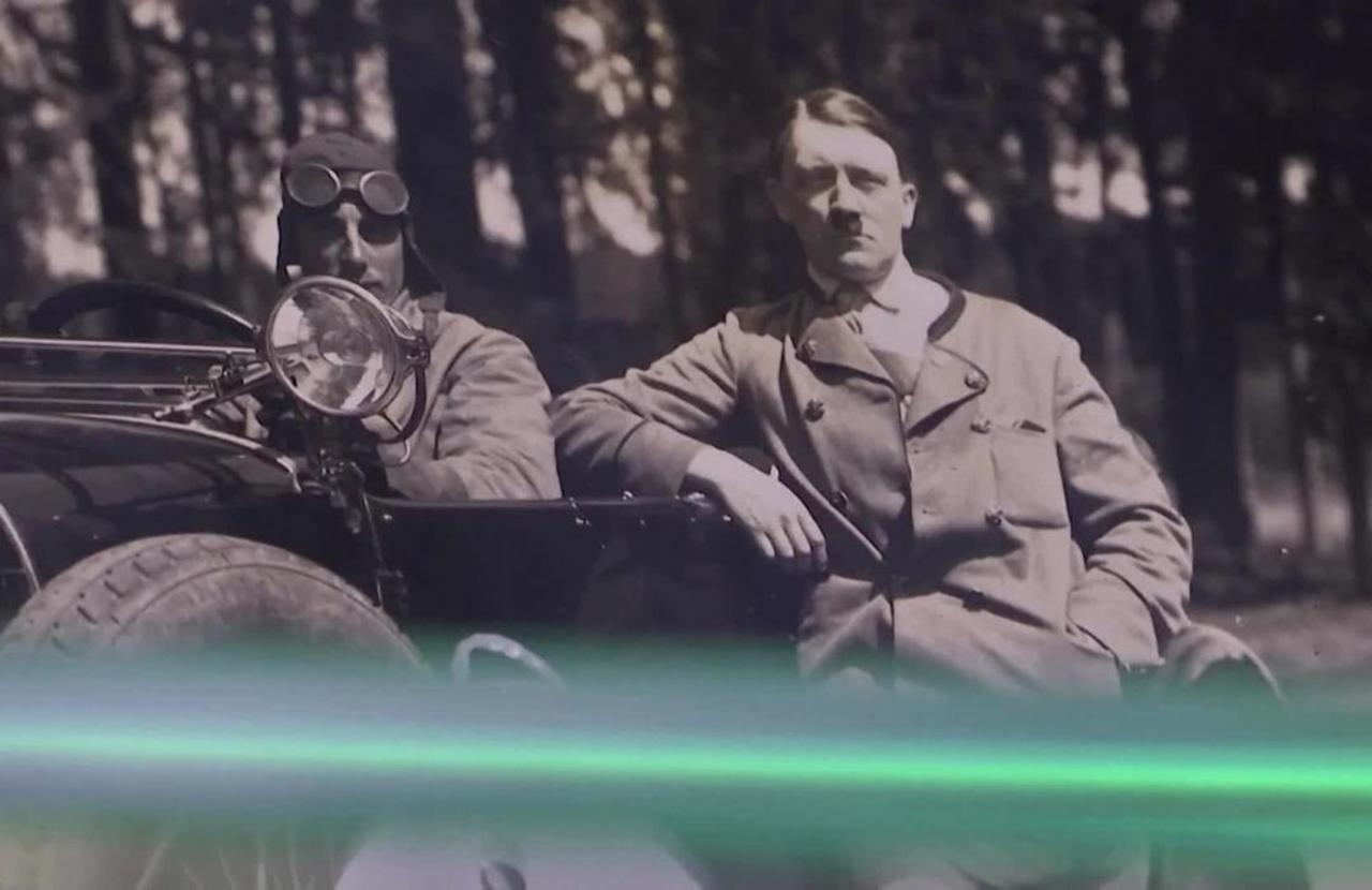 Hitler's speech cards auctioned in Munich